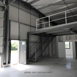 Location Entrepôt Chaingy 148 m²