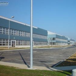 Location Entrepôt Combs-la-Ville 2064 m²