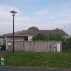 Location Local commercial Chauray 88 m²