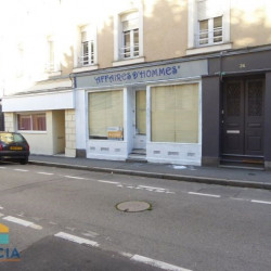 Location Local commercial Laval 45 m²