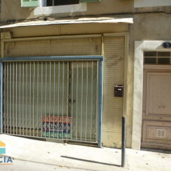 Location Local commercial Nîmes 44 m²