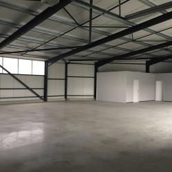 Location Entrepôt Sainte-Bazeille 352 m²