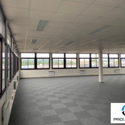 Location Bureau Le Petit-Quevilly 300 m²
