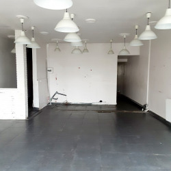 Location Local commercial Chartres 300 m²