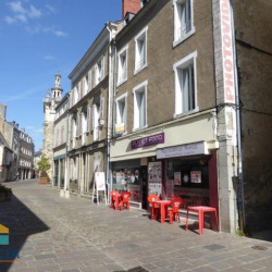 Location Local commercial Laval 68 m²