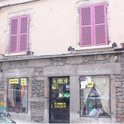 Location Local commercial Vienne 88 m²