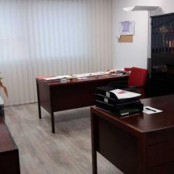 Vente Bureau Voisins-le-Bretonneux 245,98 m²