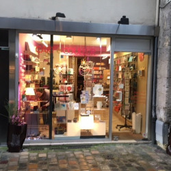 Location Local commercial Rouen 50 m²