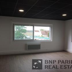 Location Local d'activités Saint-Pierre-des-Corps 310 m²