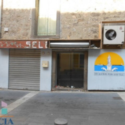 Location Local commercial Agde 52 m²