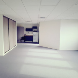 Location Bureau Saint-Contest 80 m²