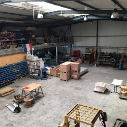 Location Local d'activités Allonne 700 m²