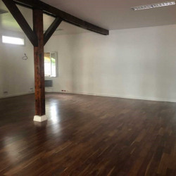 Location Bureau Suresnes 84 m²