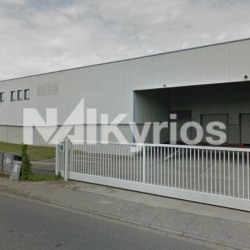 Location Local d'activités Genas 3596 m²