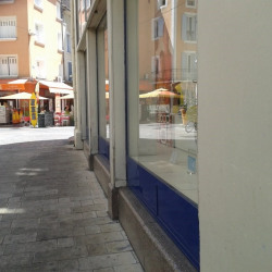 Location Local commercial Orange 435 m²