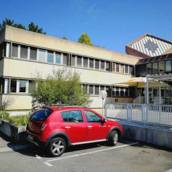 Location Bureau L'Isle-d'Abeau 1951 m²