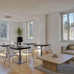 Location Bureau Salon-de-Provence 768 m²