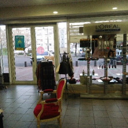 Location Local commercial Angoulême 79 m²