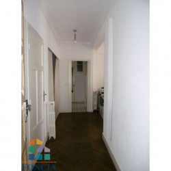 Location Local commercial Toulon 84 m²