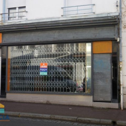 Location Local commercial Lorient 48 m²