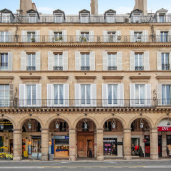 Location Local commercial Paris 1er 41 m²