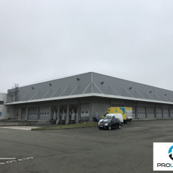 Location Entrepôt Creil 3260 m²