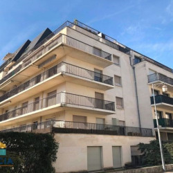 Vente Local commercial Tours 110 m²