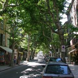 Location Local commercial Uzès 150 m²