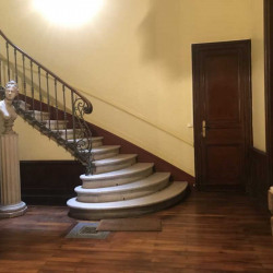Vente Bureau Bordeaux 207 m²