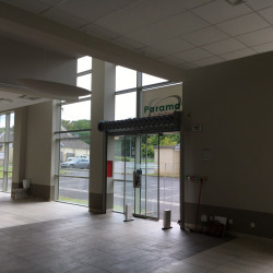 Location Local commercial Saint-Maximin 850 m²