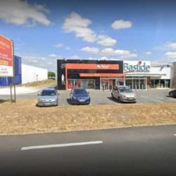 Location Local commercial Saint-Germain-du-Puy 614 m²