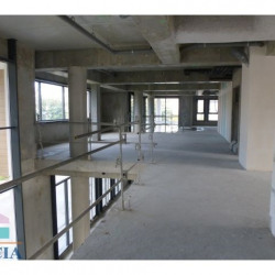 Location Local commercial Mantes-la-Jolie 372 m²