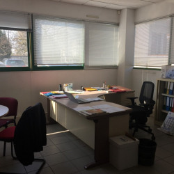 Location Bureau Vaulx-en-Velin 882 m²