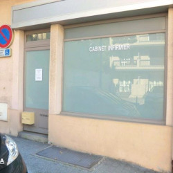 Location Local commercial Lourdes 18 m²