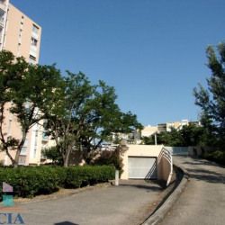 Location Local commercial Arles 0 m²