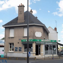 Vente Local commercial Saint-Pierre-des-Corps 100 m²
