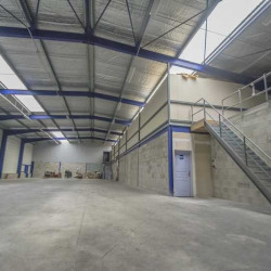 Location Entrepôt Colombe 1102 m²