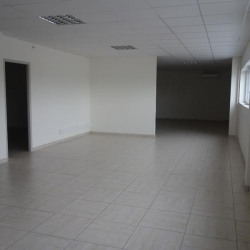Location Bureau Colombe 122 m²