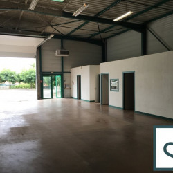Location Local d'activités Cournon-d'Auvergne 200 m²