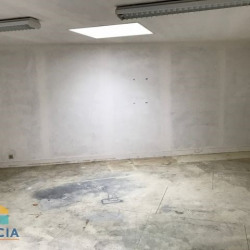 Location Local commercial Luisant 130 m²