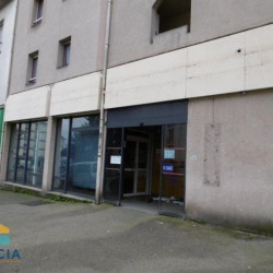 Location Local commercial Lorient 201 m²