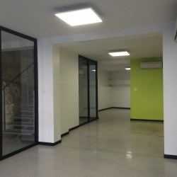 Location Local commercial Beaucaire 49 m²
