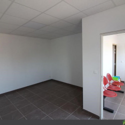 Location Local commercial Barjac 15,73 m²