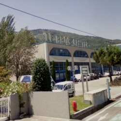 Location Local d'activités Carros 407 m²