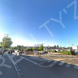 Vente Local commercial Persan 930 m²
