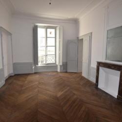 Location Bureau Nantes 58 m²