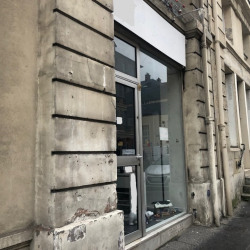 Location Local commercial Versailles 74 m²