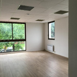 Location Bureau Torcy 66 m²