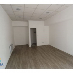 Location Local commercial Nîmes 23 m²