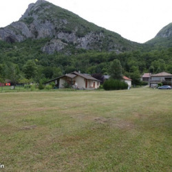 Terrain  de 1785 m²  Niaux  (9400)